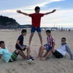 Postureo en la playa en el Campamento Multiaventura & English Camp